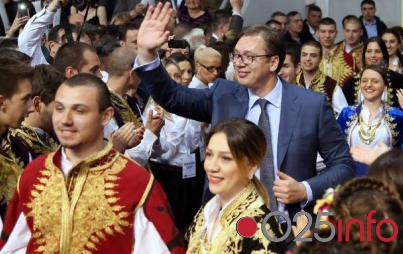 Predsednik Srbije Aleksandar Vučić u subotu u poseti Zapadnobačkom okrugu